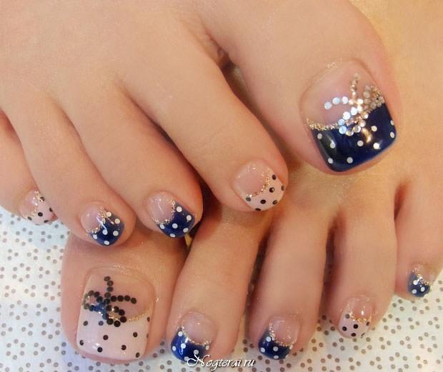Френч на ногтях на ногах