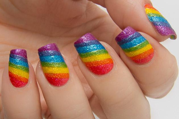 Радуга на ногтях