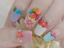 Букет роз на ногтях